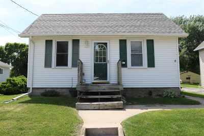 Kaukauna Single Family Home Active-No Offer: 217 Gertrude