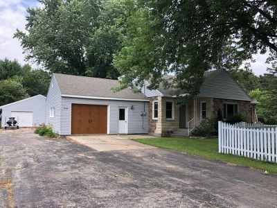 Marinette Single Family Home Active-No Offer: W1988 Hwy 64