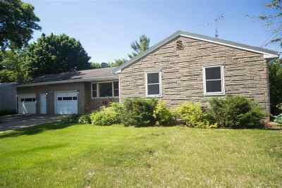 Kaukauna Single Family Home Active-Offer No Bump: 1005 Hillcrest