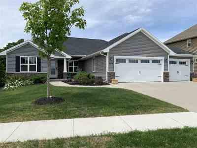 Menasha Single Family Home Active-Offer No Bump: 904 Lotus