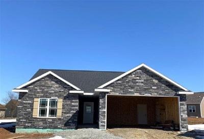 Menasha Single Family Home Active-Offer No Bump: 3000 Georgetown