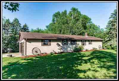 Black Creek Single Family Home Active-No Offer: W4806 Country Gate