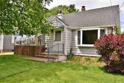 Menasha Single Family Home Active-Offer No Bump: 912 3rd