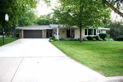 Kaukauna Single Family Home Active-Offer No Bump: 609 Belair