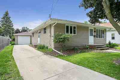 Appleton Single Family Home Active-No Offer: 923 W Oklahoma