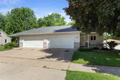 Kaukauna Multi Family Home Active-Offer No Bump: 621 Lincoln