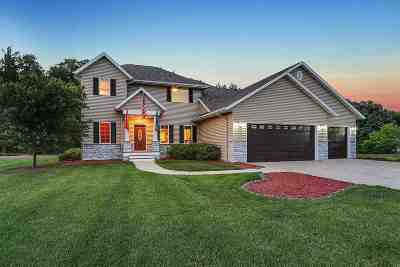 Pulaski WI Single Family Home Active-Offer No Bump: $309,900