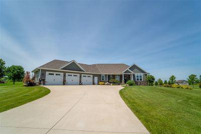 De Pere Single Family Home Active-Offer No Bump: 2514 Skyline Oaks