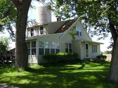 De Pere Single Family Home Active-Offer No Bump: N4505 Hwy U