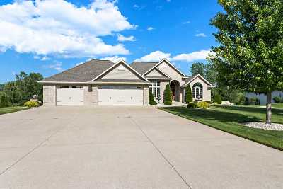 Suamico Single Family Home Active-No Offer: 2968 Seafarer