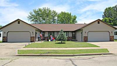 Little Chute Multi Family Home Active-Offer No Bump: 1616 Roosevelt