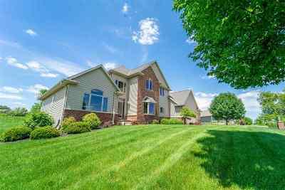 De Pere Single Family Home Active-Offer No Bump: 2526 Skyline Oaks