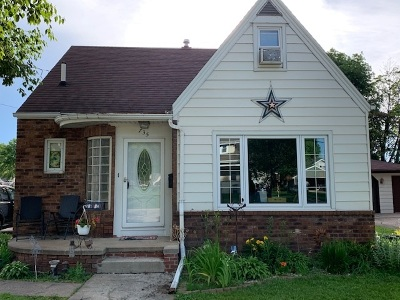 Little Chute Single Family Home Active-Offer No Bump: 735 Depot