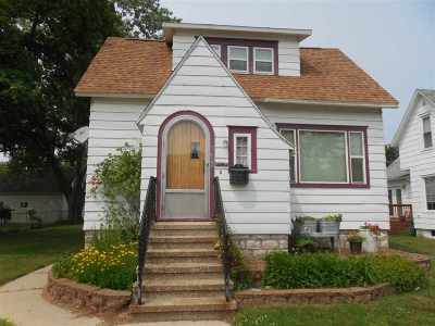 Marinette Single Family Home Active-No Offer: 1622 Logan