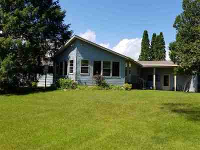 Waupaca Single Family Home Active-No Offer: E1537 Rural