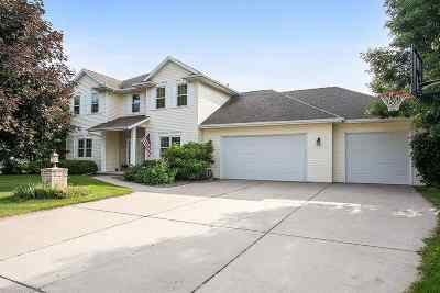 Suamico Single Family Home Active-No Offer: 3069 Harbor Winds