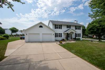 Green Bay Single Family Home Active-No Offer: 2646 Wildflower Row
