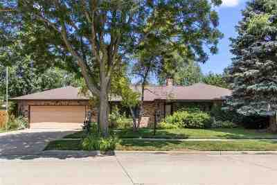 Appleton Single Family Home Active-No Offer: 1824 W Homestead