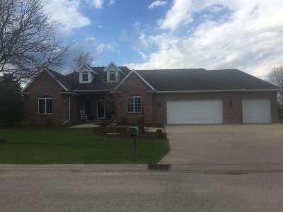 Appleton Single Family Home Active-Offer No Bump: W2578 Fontana