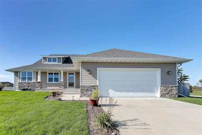 Green Bay Single Family Home Active-No Offer: 4249 Gaibrelles Gate
