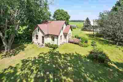 Oconto County Single Family Home Active-No Offer: 10690 Quarterline