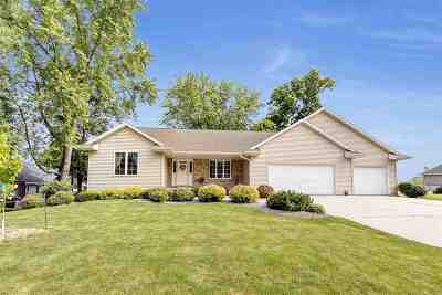 Green Bay Single Family Home Active-No Offer: 3853 Shore Crest