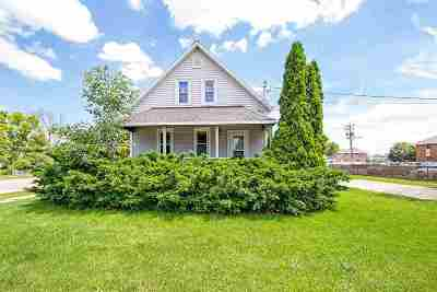 Green Bay Single Family Home Active-No Offer: 1211 Bellevue