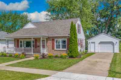 Kaukauna Single Family Home Active-Offer No Bump: 220 E 15th