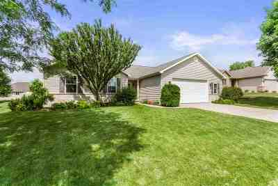 Appleton Single Family Home Active-No Offer: 4125 N Trailway