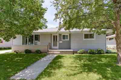 Menasha Single Family Home Active-Offer No Bump: 732 John