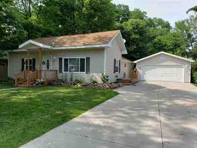 Waupaca Single Family Home Active-Offer No Bump-Show: 603 Demarest