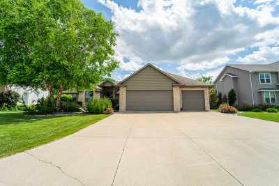 Neenah Single Family Home Active-No Offer: 1352 Whispering Pines