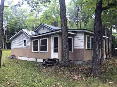 Oconto County Single Family Home Active-No Offer: 11762 Laura