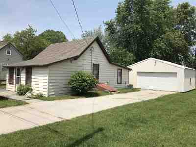 Oconto County Single Family Home Active-No Offer: 535 Quincy