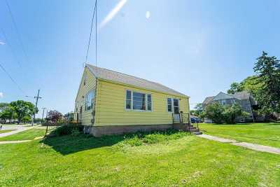 Oshkosh Single Family Home Active-Offer No Bump: 1220 N Sawyer