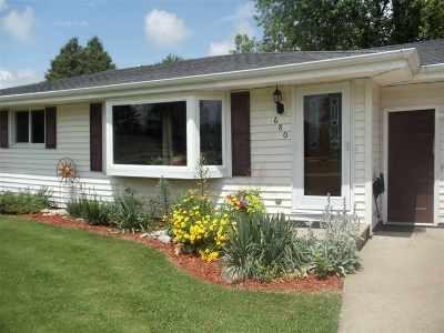 Oshkosh Single Family Home Active-Offer No Bump: 680 Olson