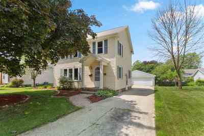 Kaukauna Single Family Home Active-Offer No Bump: 907 Grignon