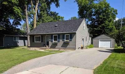 Appleton Single Family Home Active-No Offer: 1124 E Woodland