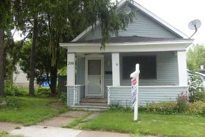 Kaukauna Single Family Home Active-Offer No Bump: 206 Whitney