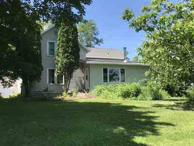 Shawano Single Family Home Active-No Offer: N4657 N Hill