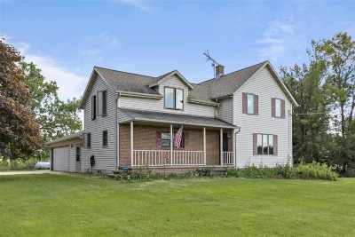 Menasha Single Family Home Active-Offer No Bump: W3879 Hwy 10