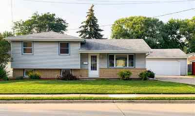 Menasha Single Family Home Active-Offer No Bump: 720 9th
