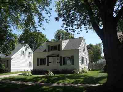 Appleton Single Family Home Active-No Offer: 2104 N Superior