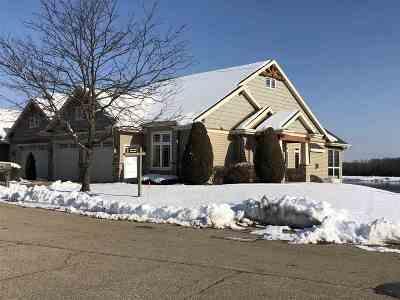 Neenah Condo/Townhouse Active-No Offer: 1351 Prairie Lake