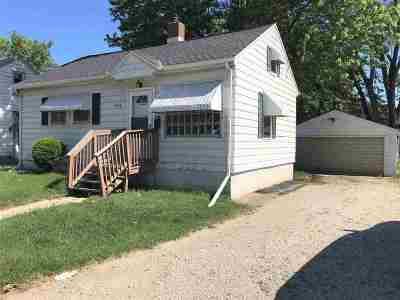 Green Bay Single Family Home Active-No Offer: 1489 E Mason