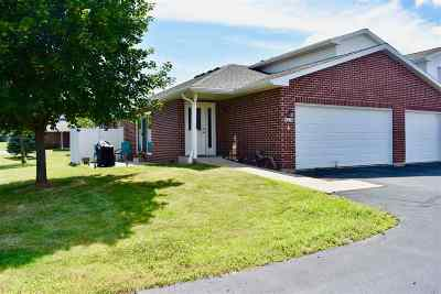 Howard, Suamico Condo/Townhouse Active-Offer No Bump: 1903 Riverside #A