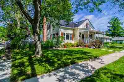 De Pere Single Family Home Active-No Offer: 703 N Huron