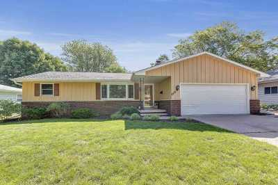 Appleton Single Family Home Active-No Offer: 1018 S Midpark