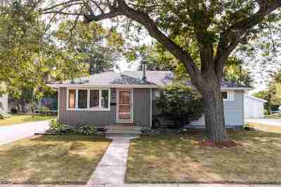 Menasha Single Family Home Active-No Offer: 812 John