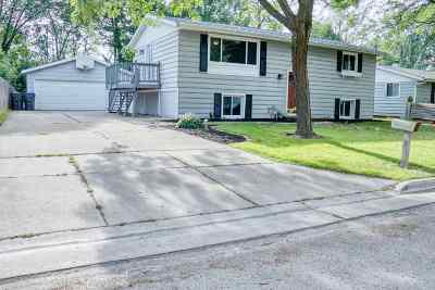 Neenah Single Family Home Active-No Offer: 2341 Brantwood